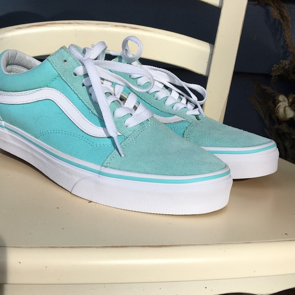 Woman's size 9 turquoise old skool vans BRAND NEW!